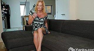 Blonde MILF Violet Masturbating
